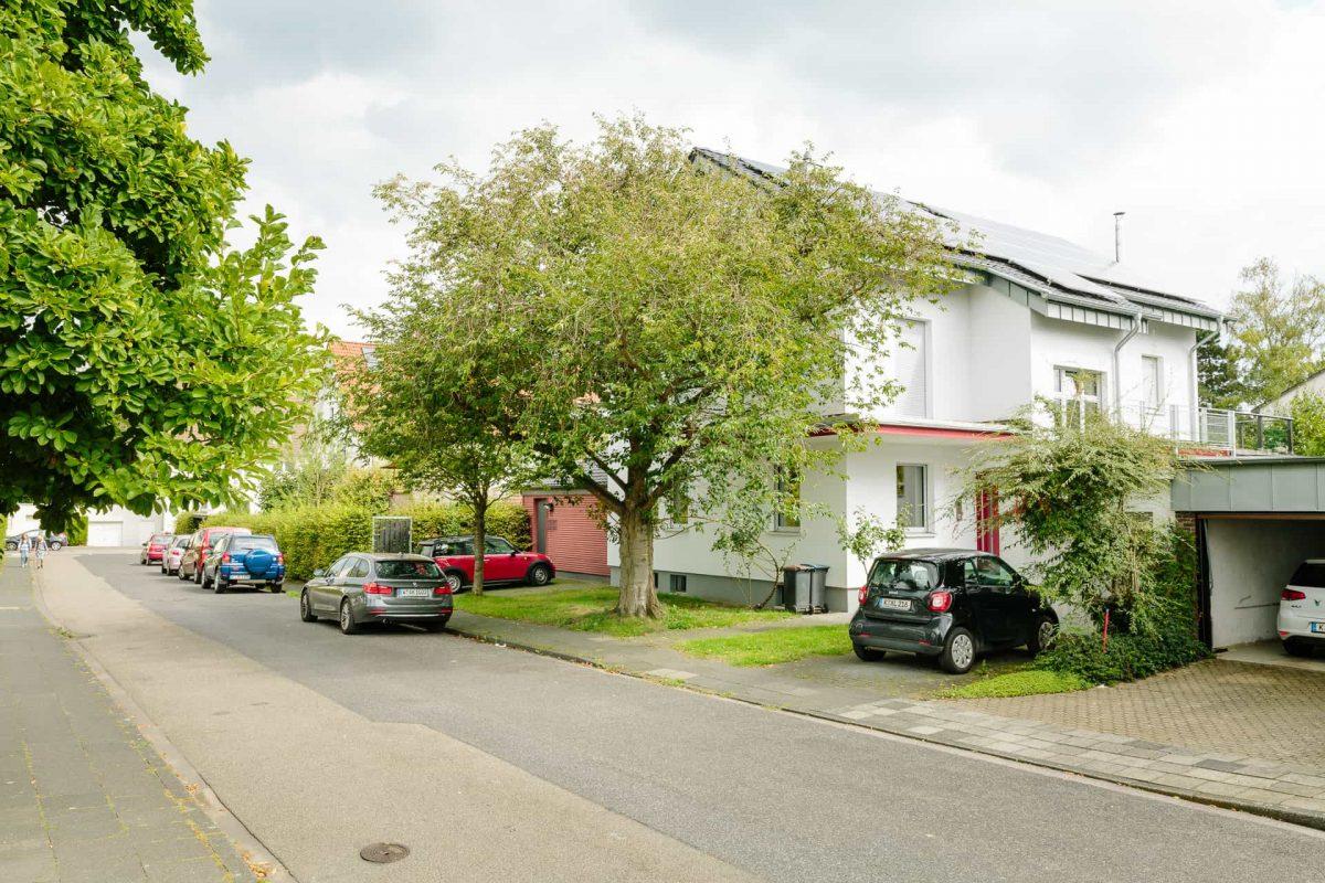 Haus mit PV-Modulen
