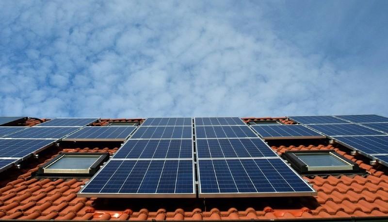 Solarpanels auf Hausdach