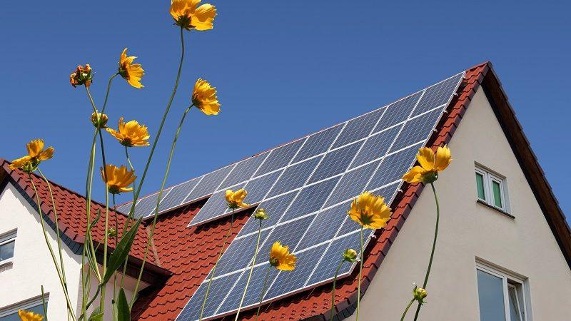 Photovoltaik Komplettanlage auf Hausdach